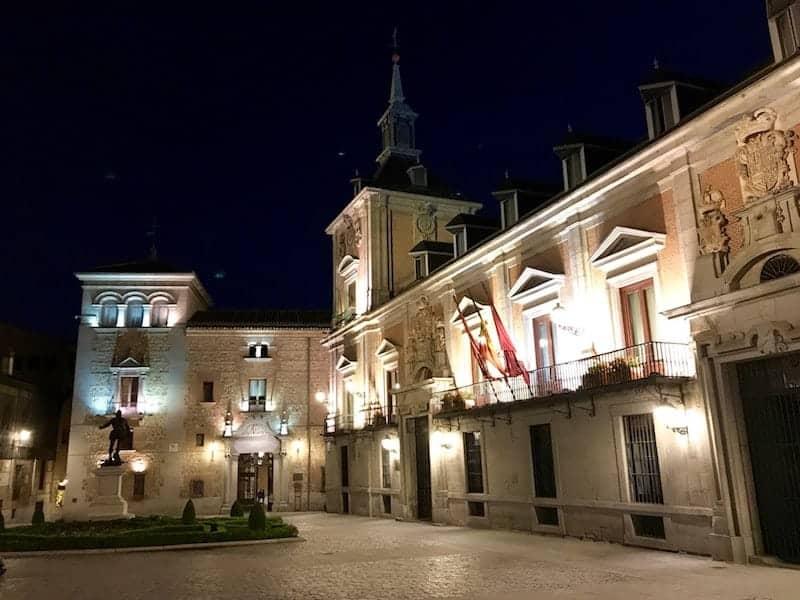 Casa de la Villa at night