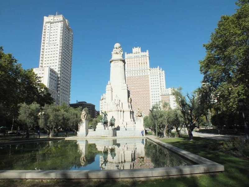 Plaza de España (Spain Square)