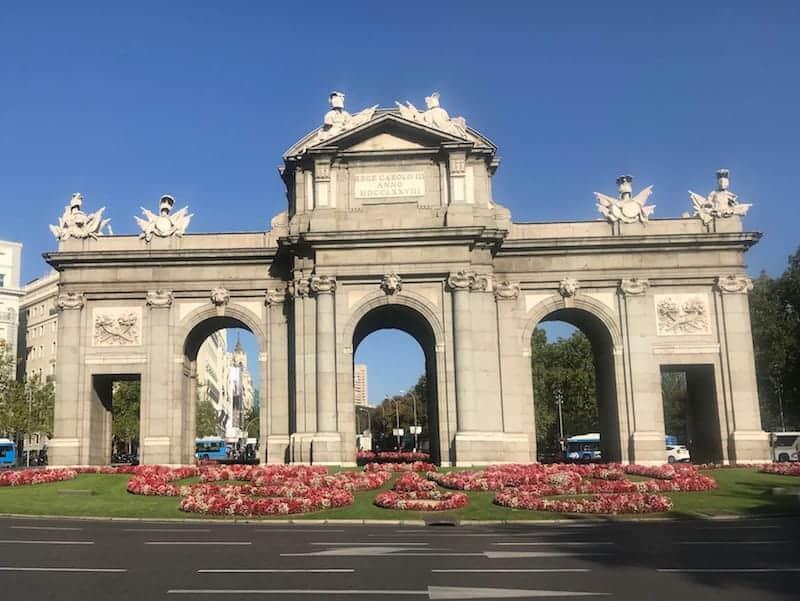 Puerta de Alcala - Plaza independencia